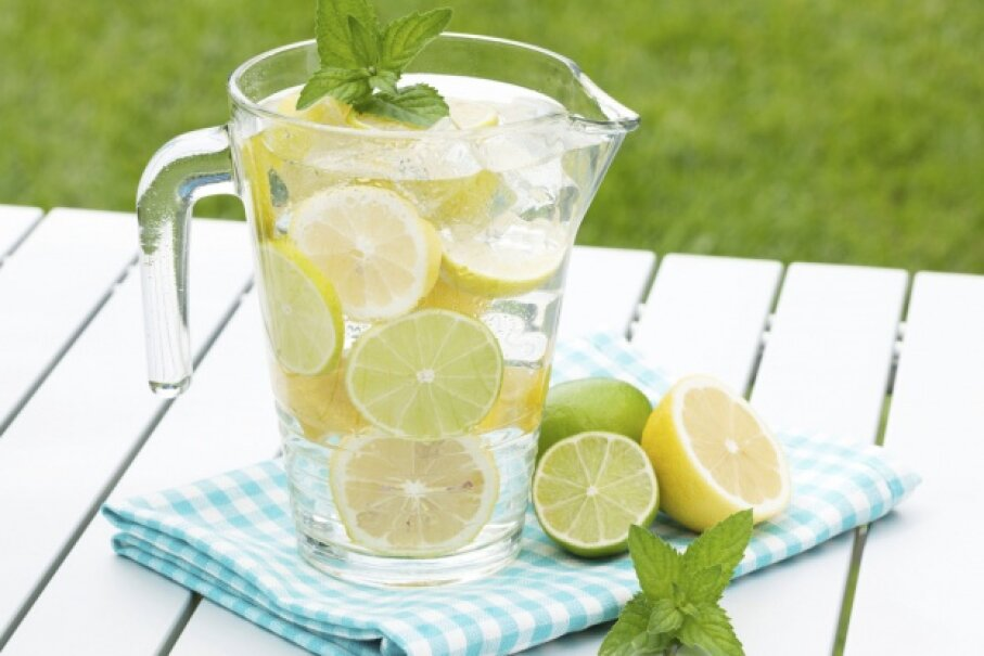 Most of the weight you lose on a liquid diet is just water. Is faux weight loss really worth drinking cayenne pepper and maple syrup in lemon water?  ©iStock/Thinkstock