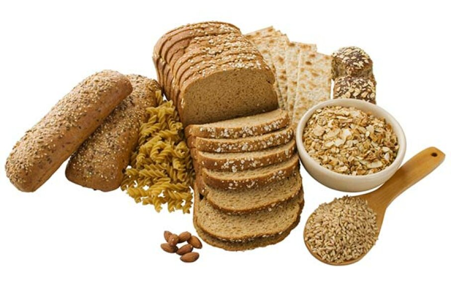 Fiber can be found naturally in whole wheat bread, oatmeal and beans. Tetra Images/Thinkstock