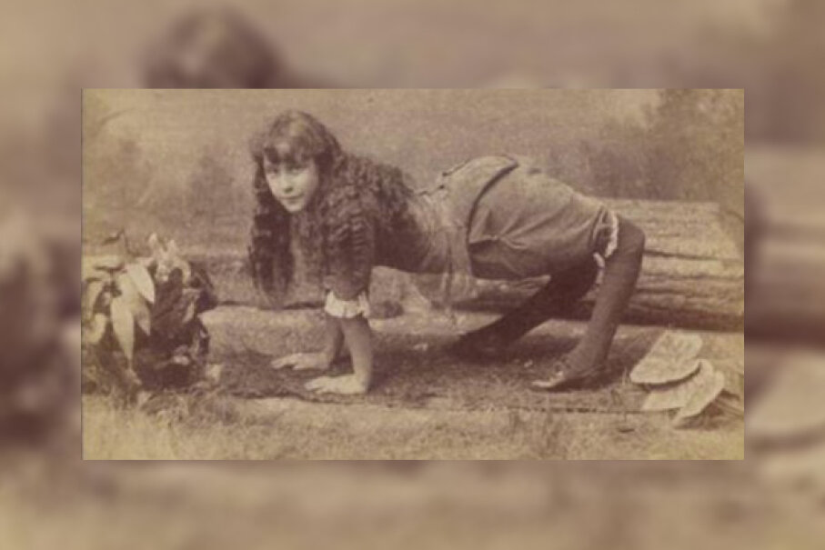Because of her condition, Ella Harper preferred to walk on her hands and feet.  Public Domain