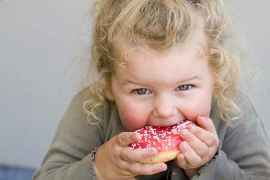 Yum! Is that frosting to blame for kids acting out? iStockphoto/Thinkstock