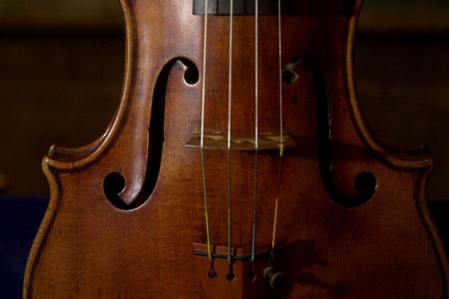A close-up look at a 300-year-old Stradivarius violin, created by king of strings Antonio Stradivari. Chris Hondros/Newsmakers