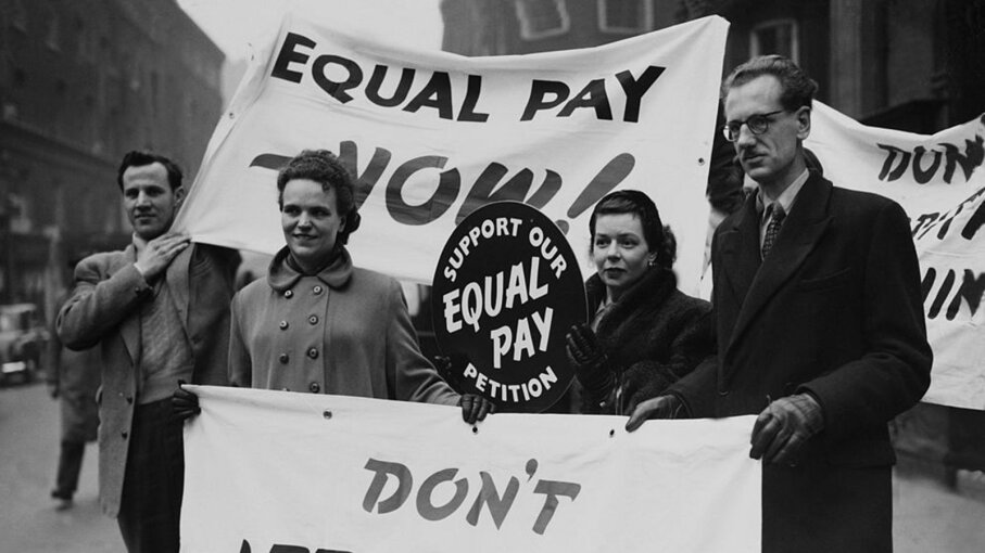 How is the Gender Pay Gap Determined?