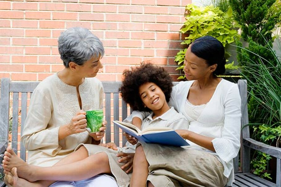 Talking with your family members can give you a lot of information to add to your book. They'll enjoy seeing the results too. Jupiterimages/Thinkstock