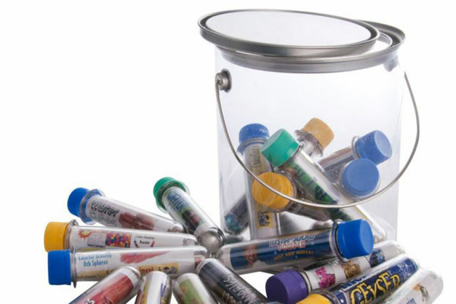 The Big Bucket of Science features favorites like Insta-Snow, Energy Beads, and Magic Sand that teach scientific principles like polymers, hydrophobic materials, and UV-sensitivity. Steve Spangler Science