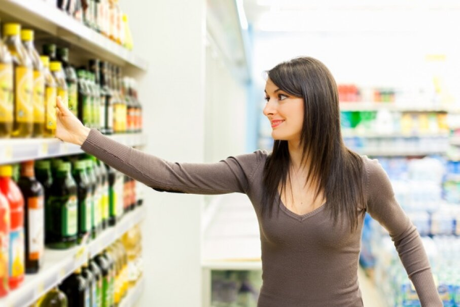 Social norms and etiquette are always changing, but there are simple, common-sense ways to keep yourself and fellow shoppers sane. Minerva Studio/iStock/Thinkstock