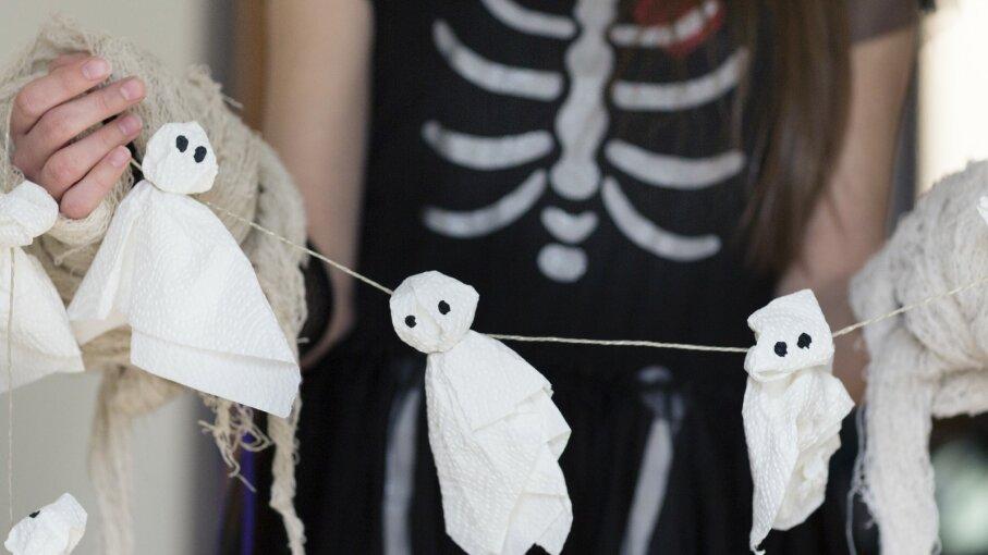 Halloween ghosts craft