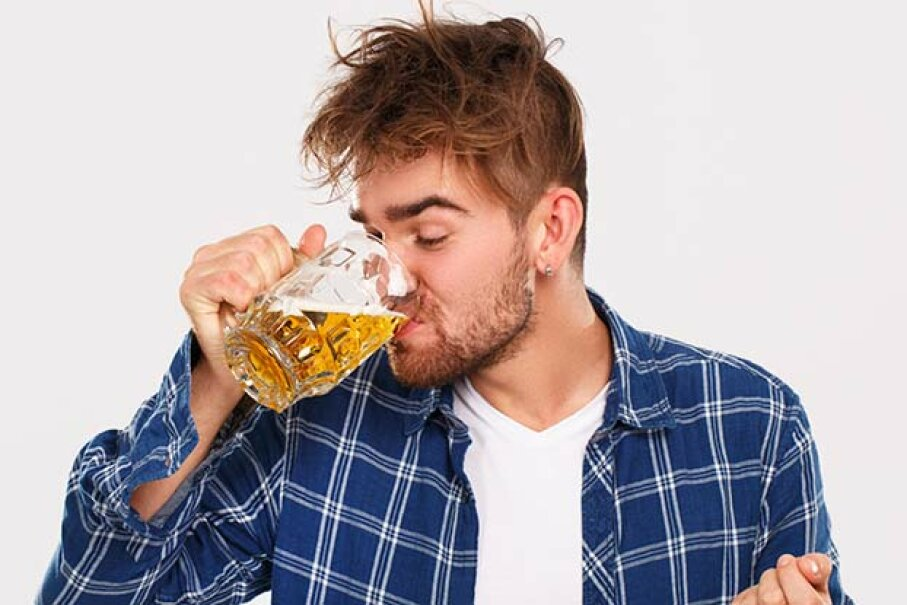 A beer for breakfast is only forestalling the inevitable hangover. YekoPhotoStudio/iStock/Thinkstock