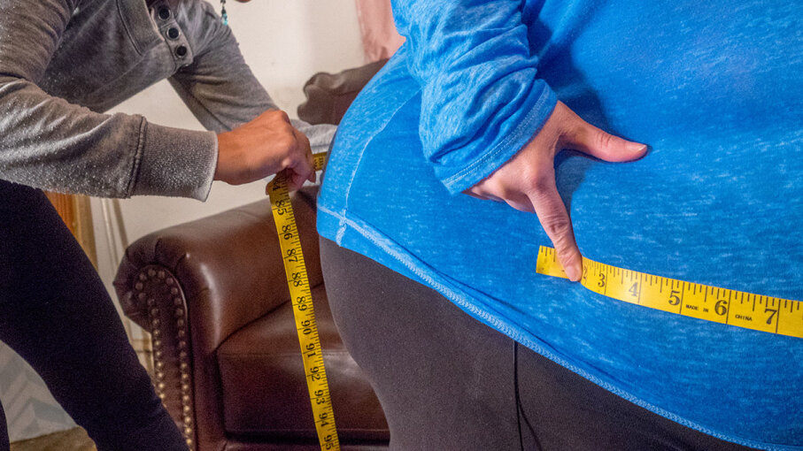 Measuring a woman's hips