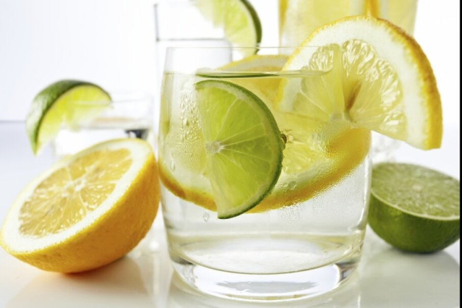 Drinks with lemons and limes igorr1/iStock/Thinkstock