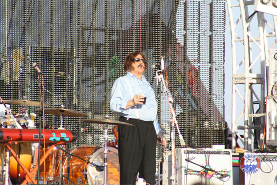 Tony Clifton introduces the Flaming Lips on the third day of the Hangout Music Festival 2012, on the Gulf Shores of Alabama. Image courtesy Rock Cousteau (under CC BY-SA 2.0 license)