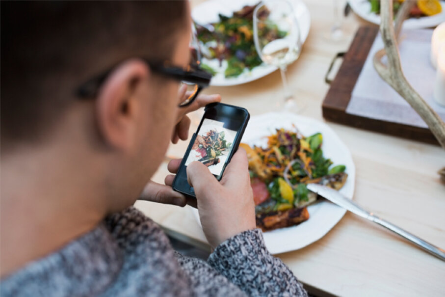 Operating a food blog is one way for gastro-enthusiasts to turn their passion into profitability. Hero Images/Getty Images