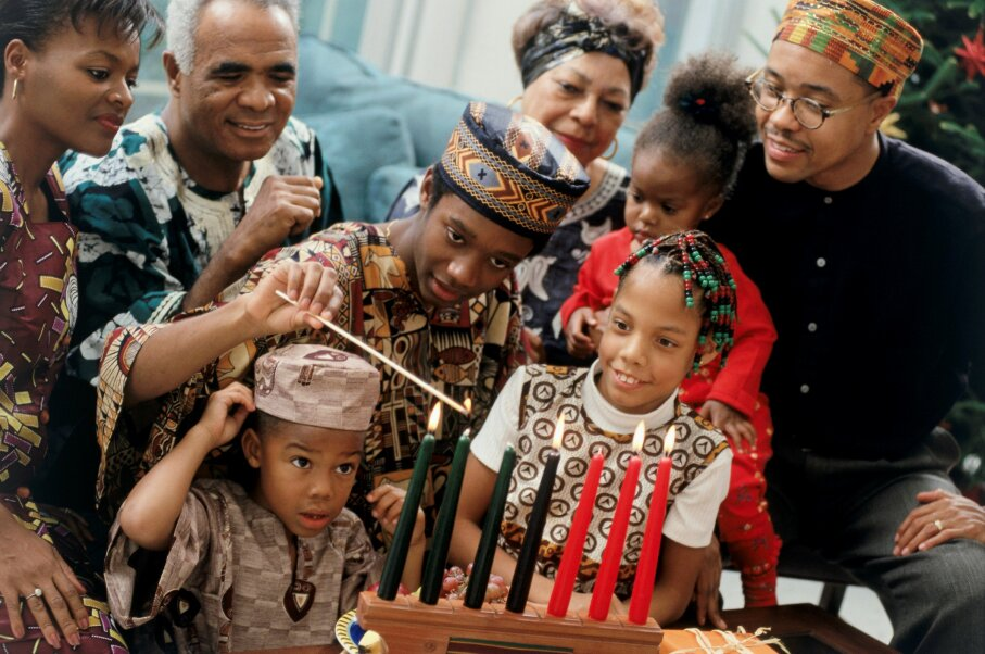 Kwanzaa is a time to celebrate family and African heritage. Purestock/Thinkstock