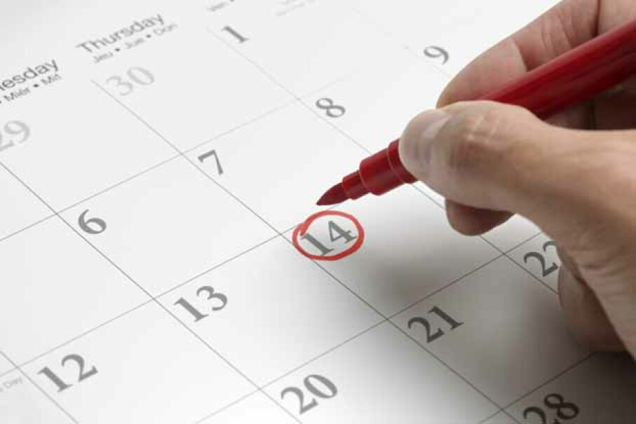 Sometimes, it's best to buy weeks before your travel dates. iStockphoto/Thinkstock.com