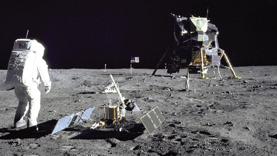 lunar landing Apollo 11