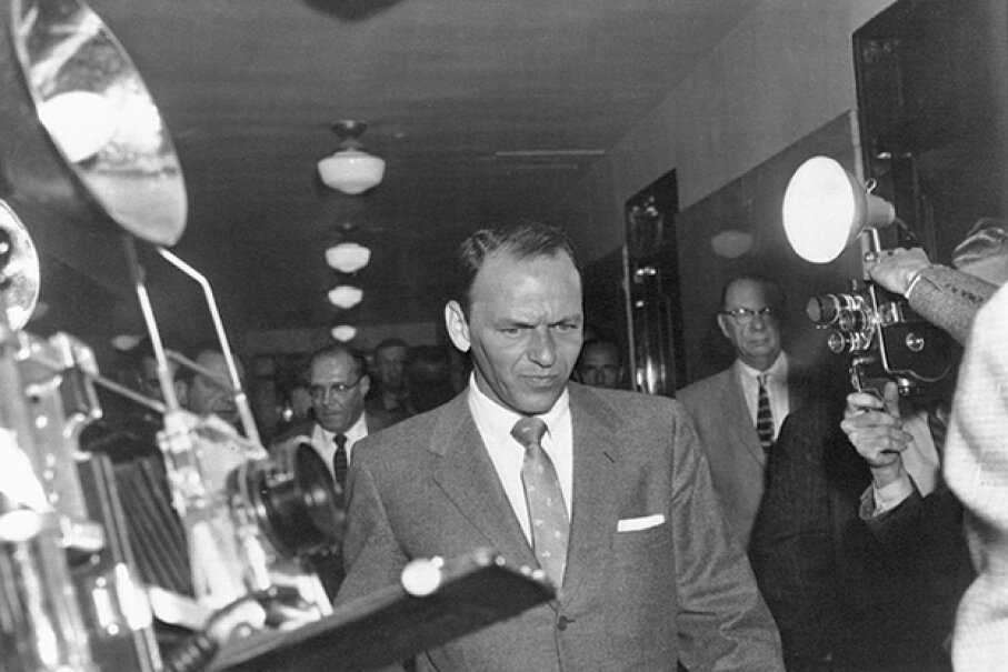 """Ol' Blue Eyes maintained that he and the Mob were """"just friends."""" Bettmann/Corbis"""