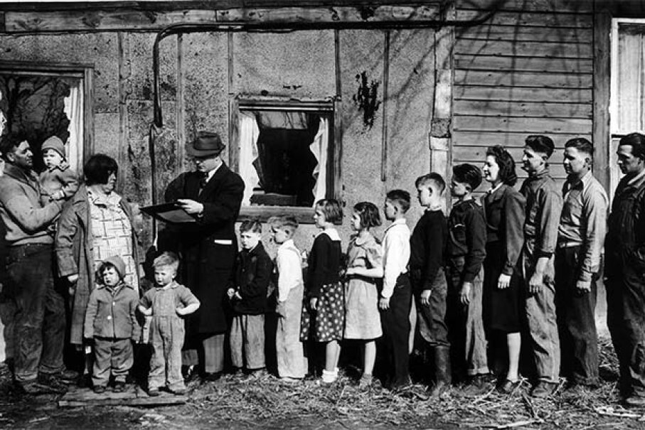 A census agent records a family with 14 children in 1940. The National Archives releases census figures to the public 72 years after they've been taken. The 1940 census is the most recent to be opened. Keystone-France/Gamma-Keystone via Getty Image