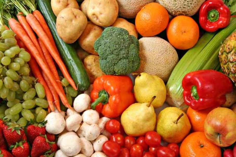 Most fruits and vegetables available today have not been genetically modified. iStock/Thinkstock