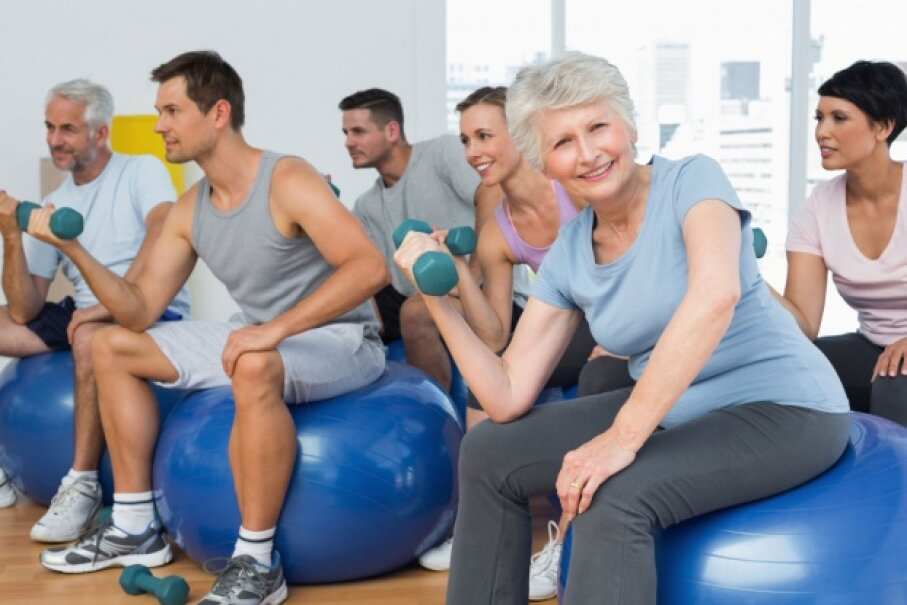 Want to keep fit as you mature? Pick up some weights. © Wavebreakmedia Ltd/Thinkstock