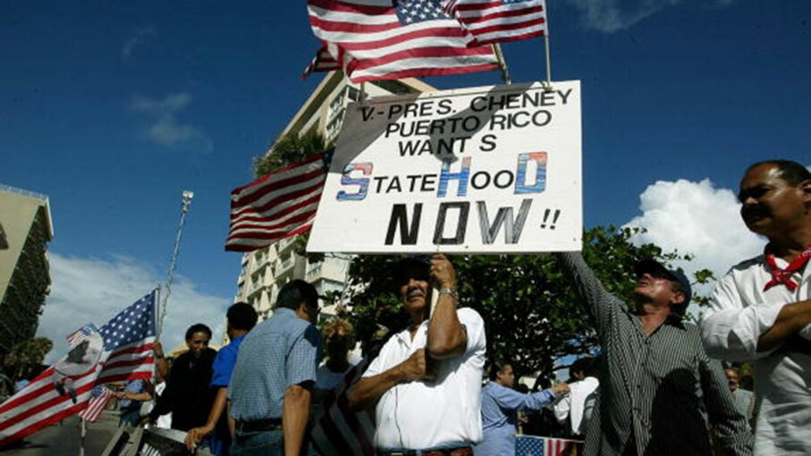 Demonstrators PR statehood