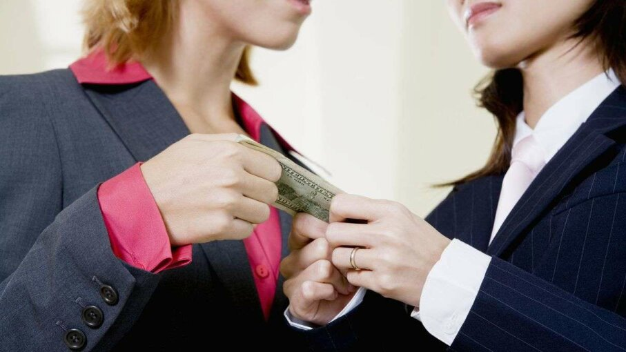 Under federal law, you do have to give back an improperly received bonus. Glowimages/Getty Images