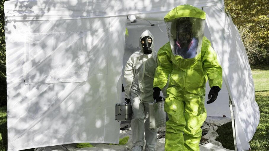 New quarantine guidelines would give the CDC new authority to detain people within the borders of the United States. InkkStudios/Getty Images