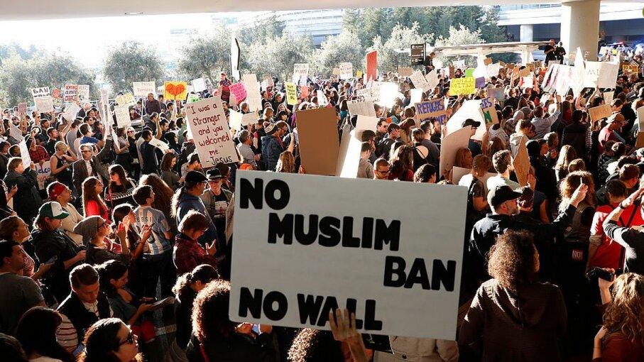 protestors, Muslim Ban, San Francisco airport