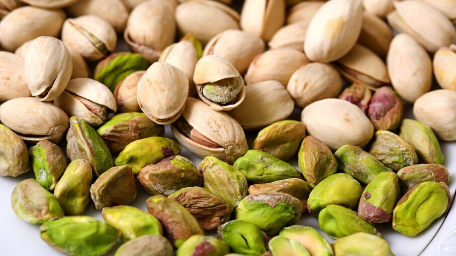 roasted pistachios both in and out of their shells