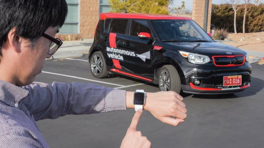 Kia's autonomous vehicles could be paired with a smartphone app that would allow you to boss the car around from your watch, say. Here it's working on its parking. Kia Media