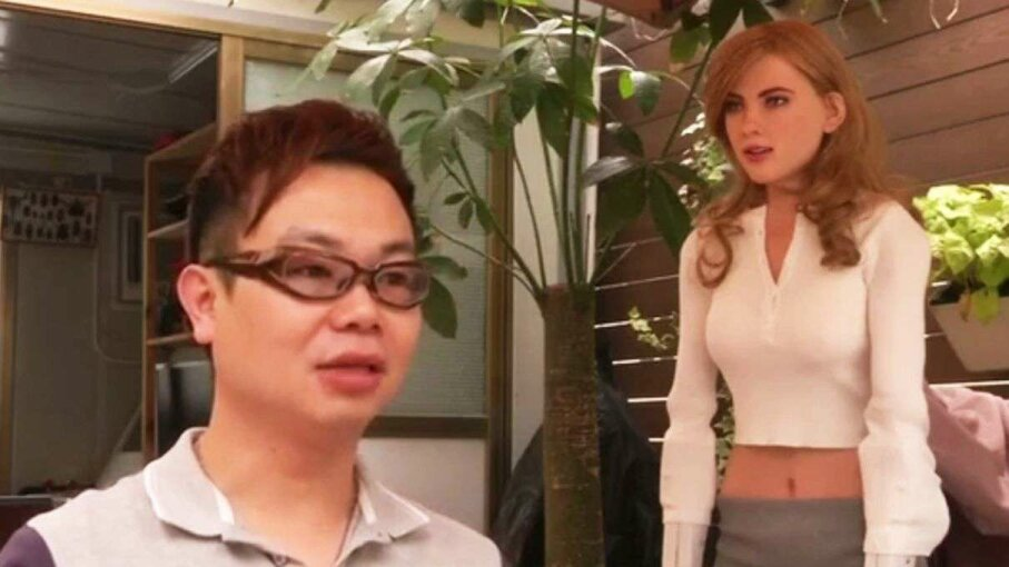Hong Kong man makes his own female robot Reuters