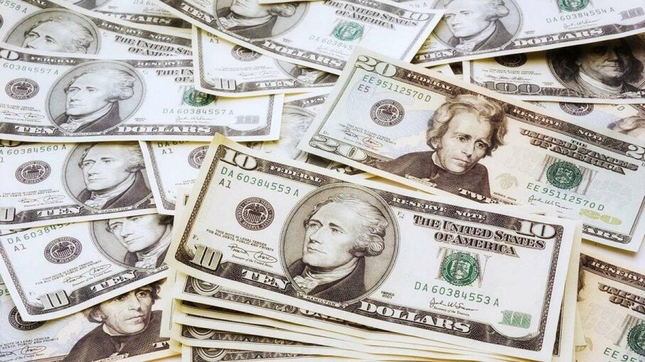 It's a myth that only U.S. presidents get their faces on currency; neither Hamilton on the $10 nor Franklin on the $100 ever held that office. Creative Studio Heinemann/Getty Images