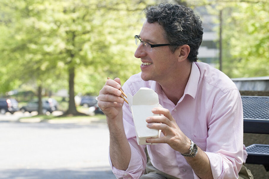 If you can, get out the office at lunchtime. XiFotos/iStock/Thinkstock