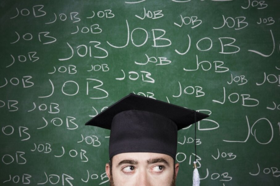 Start looking at your career options before you graduate. ©idealistock/iStock/Thinkstock