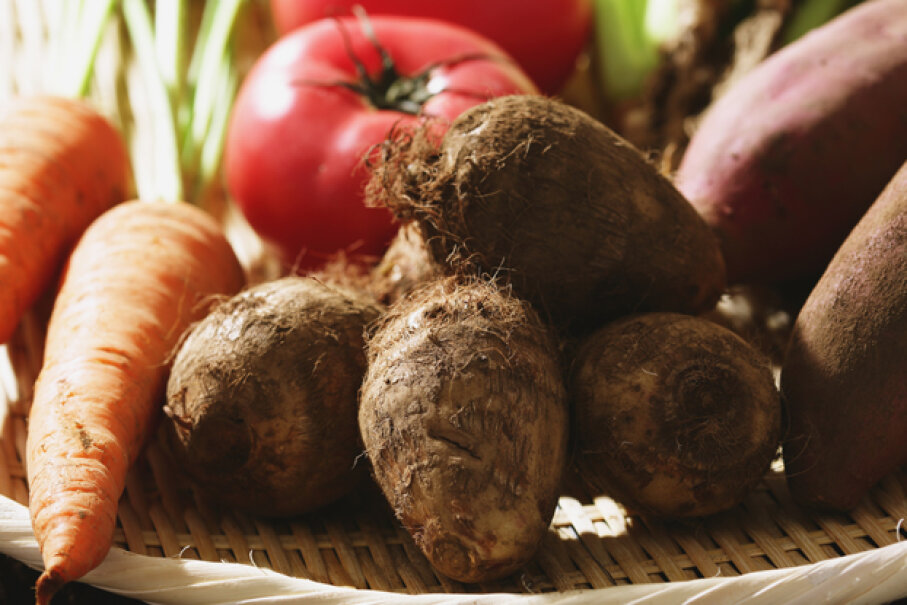 Raw taro can irritate the skin of those who handle it; gloves are recommended. © Naho Yoshizawa/Corbis