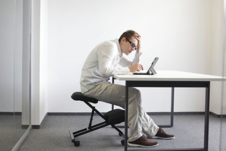 Slumping over a computer screen is all too common – and it's terrible for you. © endopack/iStock/Thinkstock