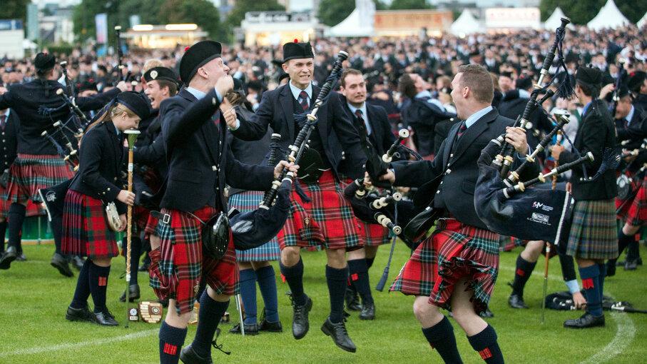 Field Marshal Montgomery Pipe Band celebrates winning the 2016 World Pipe Band Championship