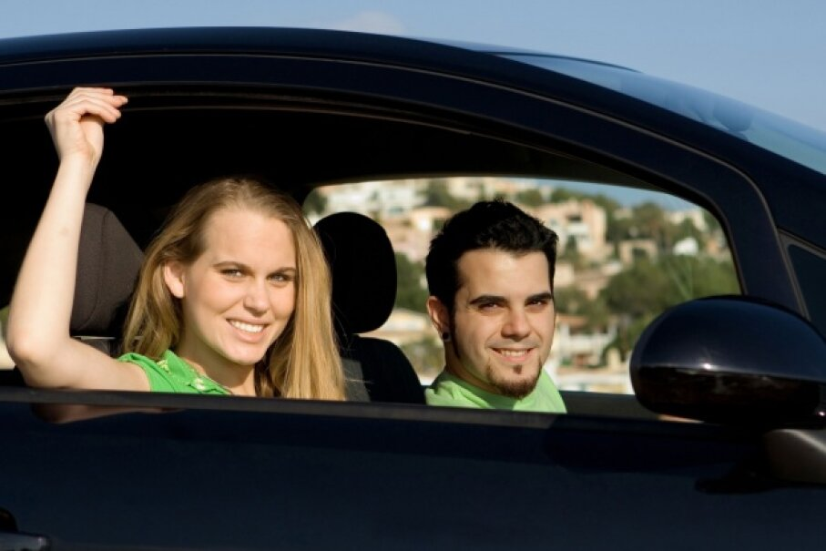 The social aspect of driving with passengers keeps teen drivers from focusing on the task at hand. ©iStock/Thinkstock
