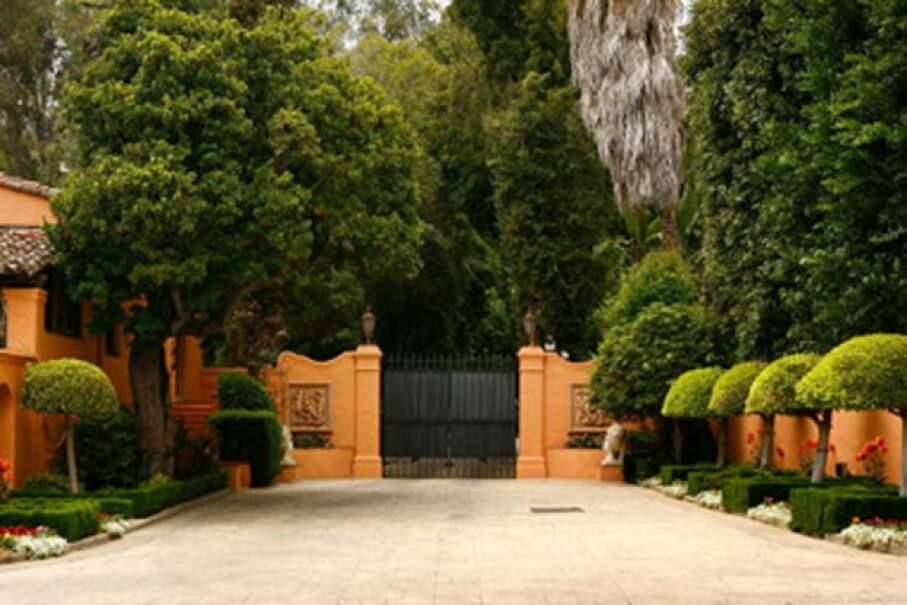The entrance to the famed Hearst Mansion in Beverly Hills, shortly after it was put on the market in 2007. David McNew/Getty Images