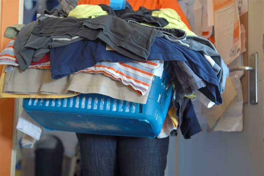 Old T-shirts make great dust cloths. Ingram Publishing/Thinkstock
