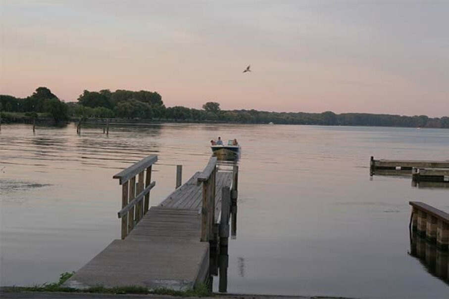 Lake Seneca looks pretty peaceful, but it's the home of some inexplicable booms. Paul Fletcher/iStock/Thinkstock