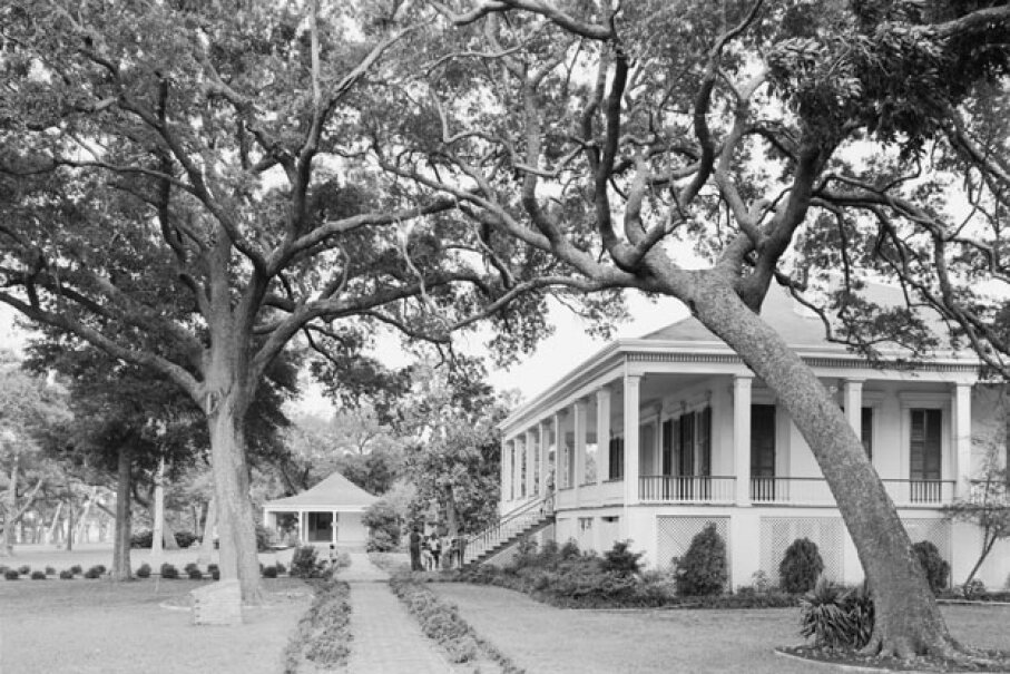 Beauvoir, the former home of Jefferson Davis, has been restored since Hurricane Katrina and provides a diversion for history-loving gamblers. © G.E. Kidder Smith/CORBIS