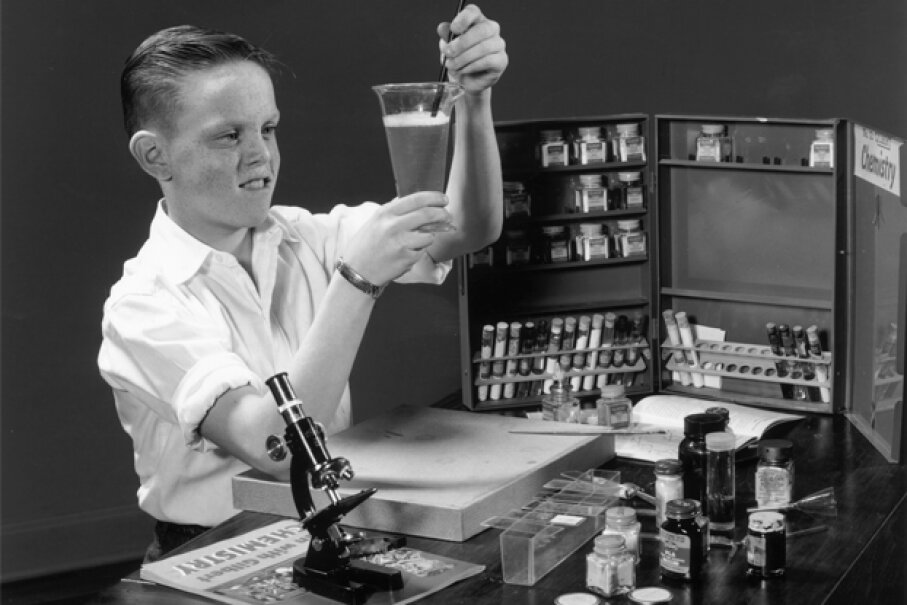 Educational chemistry sets have come a long way since the 1950s. Lambert/Getty Images