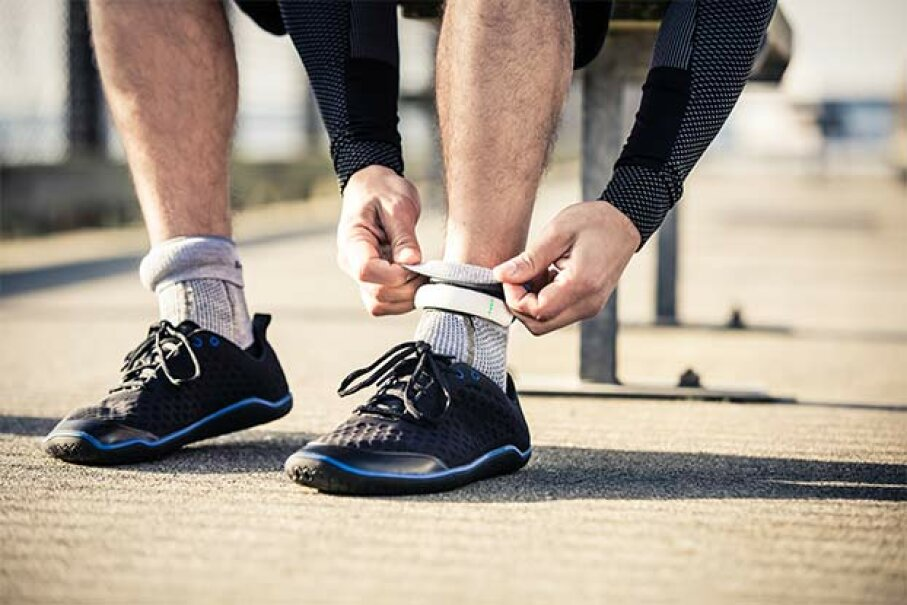 Sensoria smart socks have circuits and sensors woven inside, as well as an anklet with a wireless chip, to analyze your running technique. Sensoria