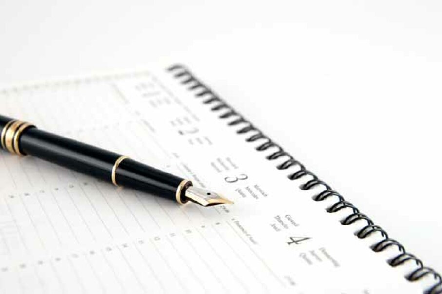 Each week, map out errands and doctor's visits alongside your workload. iStock/Thinkstock